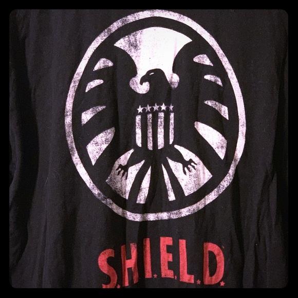 Marvel Other - Marvel SHIELD logo T-shirt XXL